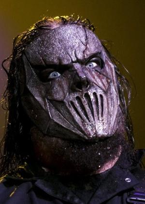 Mick Thomson, guitarrista do Slipknot, ferido na cabeça pelo irmão após uma briga