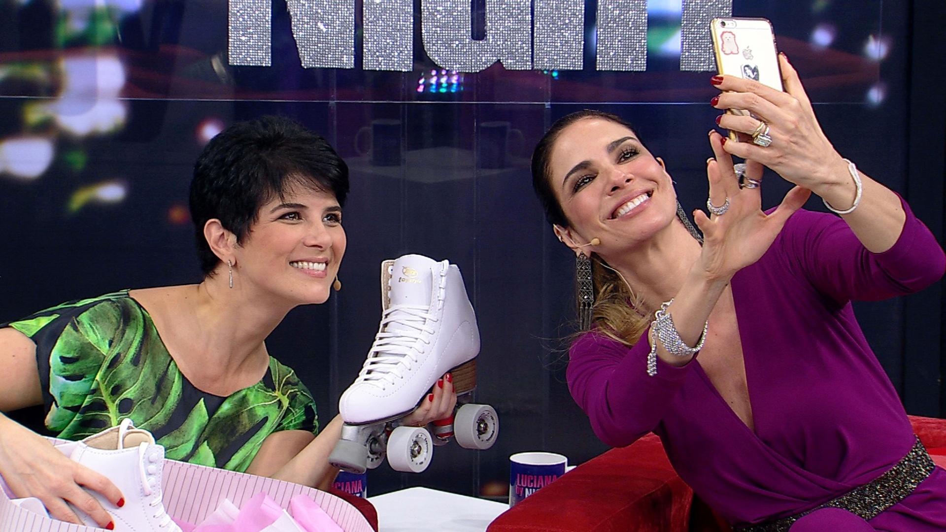 Já em ritmo de aquecimento para sua estreia à frente de um talk show jornalístico na Rede TV!, Mariana Godoy participa hoje do programa