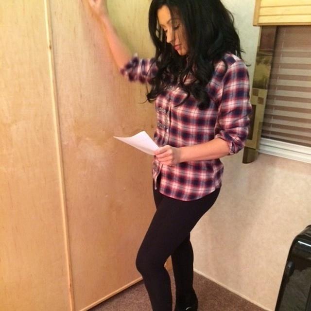 17.mar.2015 - Christina Aguilera publicou uma foto dos bastidores da série