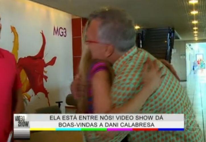 19.mar.2015 - Dani Calabresa tieta Pedro Bial