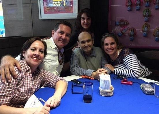 24.mar.2015 - Edgar Vivar, o Seu Barriga, se encontra com os filhos do Seu Madruga
