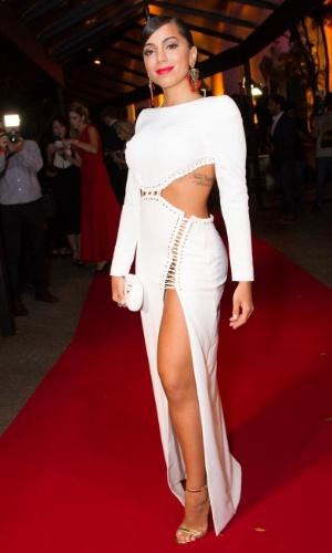 26.mar.2015- Anitta sensualiza com vestido decotado no Prêmio Geração Glamour no Clube Nacional em São Paulo. A cantora confessou que estava sem calcinha: