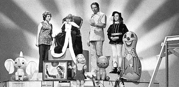 "Silvio Santos no quadro ""Boa Noite, Cinderela"", do ""Programa Silvio Santos"" na Rede Globo, na década de 70"