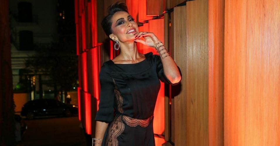 1.abr.2015 - Ousada, Sabrina Sato supostamente esquece a calcinha para usar figurino rendado no lançamento de uma coleção de joias no restaurante Bossa, zona sul de São Paulo, nesta quarta-feira