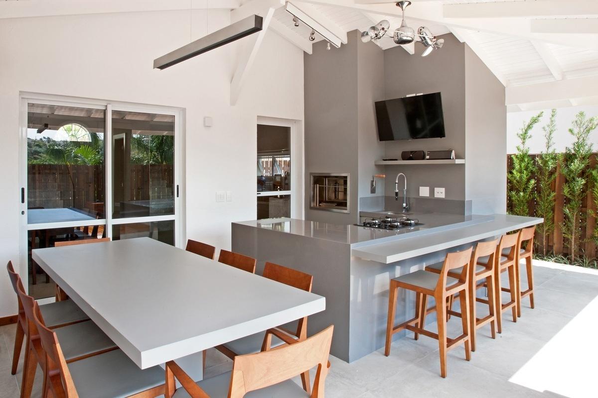 Varandas: veja algumas opções para decorar o ambiente externo BOL  #9B5930 1200x800