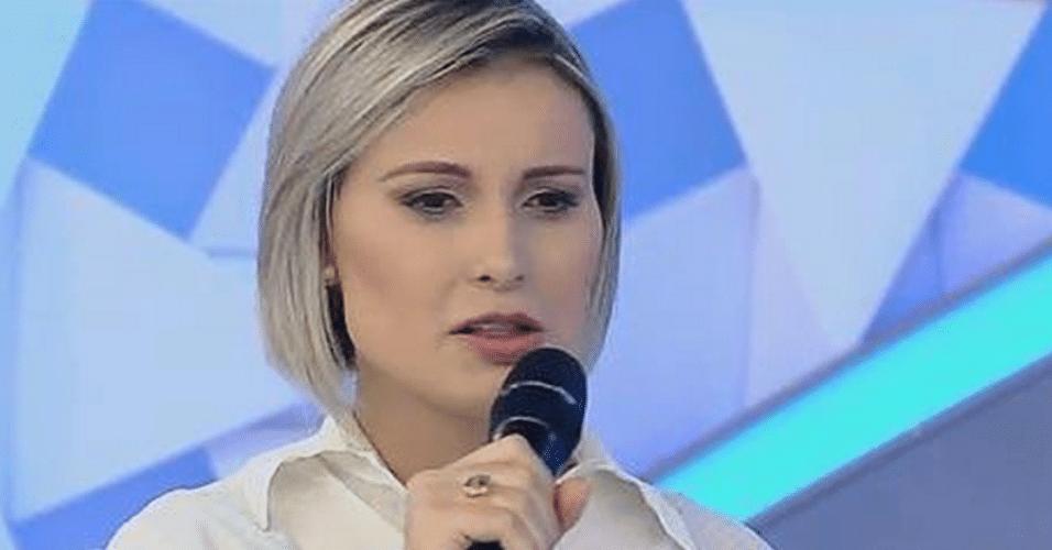 2.abr.2015 - Andressa Urach faz mais revelações no palco do programa