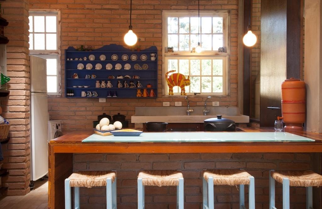 No projeto da cozinha assinado por Evelin Sayar, os detalhes dão o tom