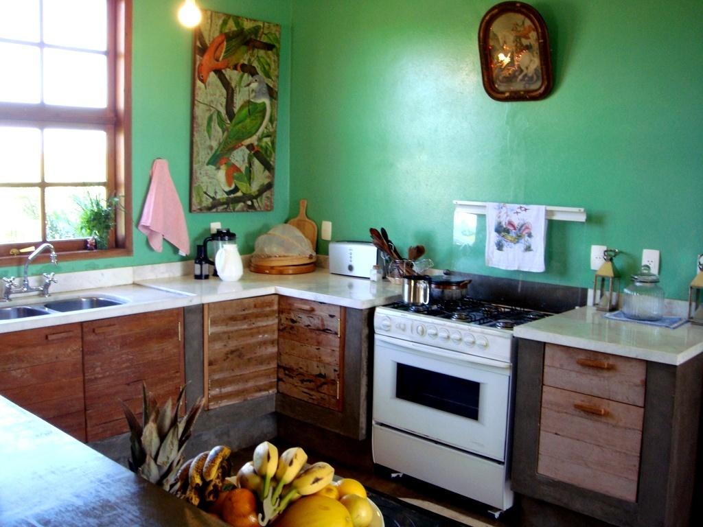 #6B3E2B Veja dicas de ótimos objetos e móveis para decoração BOL Fotos  1024x768 px Projeto De Cozinha Caipira Completa #2815 imagens