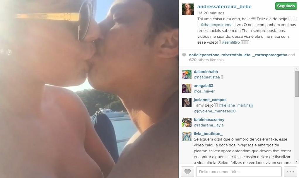 13.abr.2015 - A namorada de Thamy Miranda fez questão de postar um vídeo em sua conta pessoal no Instagram para mostrar o quanto gosta de beijar.
