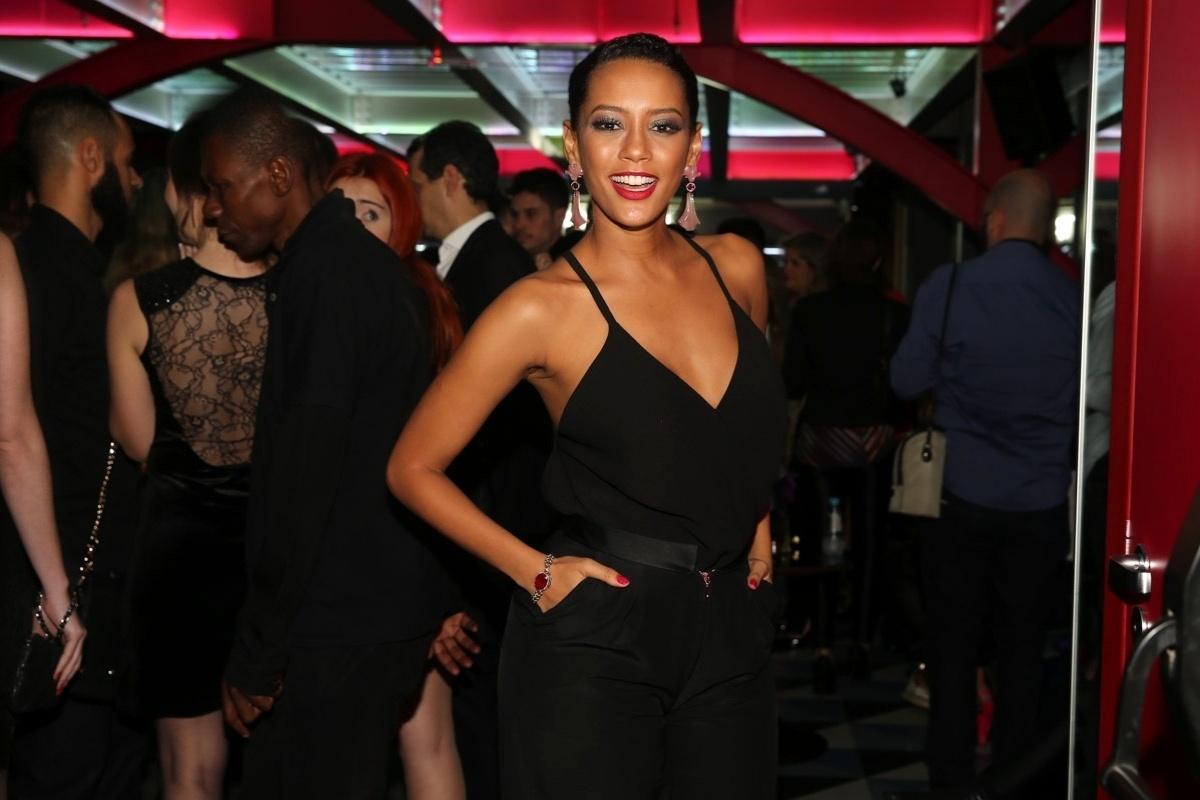 14.abr.2015 - A atriz Taís Araújo também esteve presente no evento de lançamento da revista