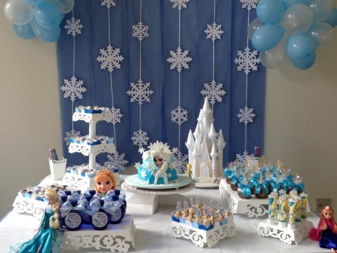 Veja 60 op es de mesas decoradas para festas infantis for Mesas de bodas decoradas