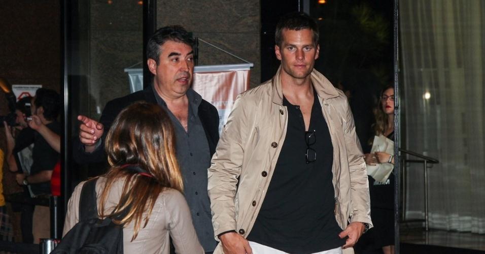 15.abr.2015 - Astro do time de futebol americano New England Patriots, Tom Brady chegou separado da esposa, Gisele Bündchen, na festa em comemoração a aposentadoria da modelo, que fez seu último desfile na noite de quarta-feira