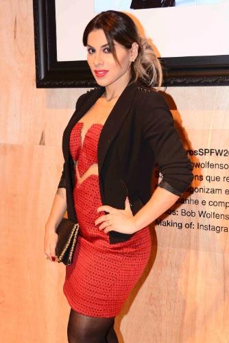 16.abr.2015 - Ex-BBB Vanessa comparece ao 4º dia de desfiles da São Paulo Fashion Week