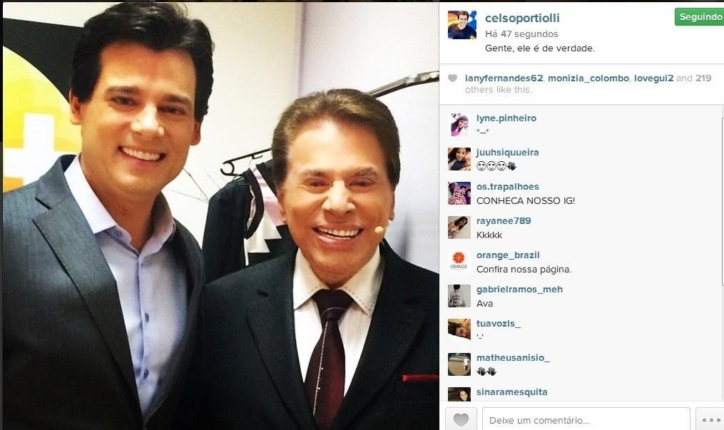 21.abr.2015- Celso Portiolli tieta Silvio Santos nos bastidores do SBT e avisa: