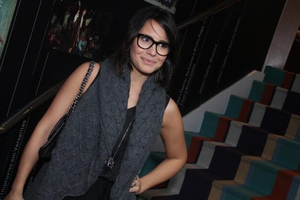 27.abr.2015 - Juliana Knust comparece à estreia da peça