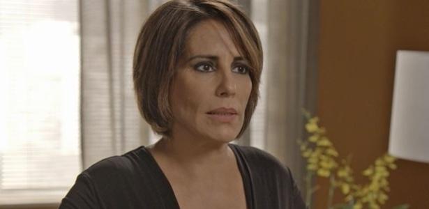 """Em """"Babilônia"""", Beatriz é presa após atirar em Inês. Ao sair da cadeia, ela enfrenta o marido"""