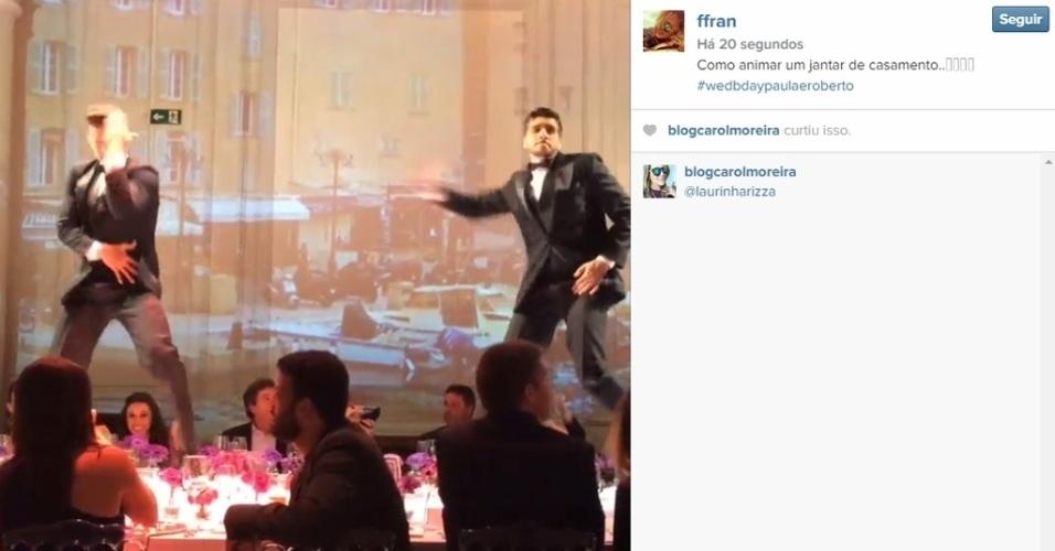 30.abr.2015 - Convidada para o casamento de Roberto Justus e Ana Paula Siebert, que acontece na noite desta quinta-feira, Francieli Fischer Justus publicou um vídeo mostrando dançarinos animando a festa ao som de
