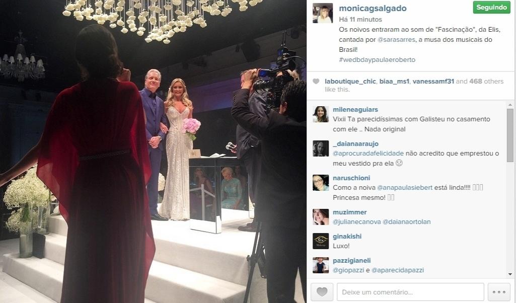 30.abr.2015 - Convidada para o casamento de Roberto Justus e Ana Paula Siebert, que acontece na noite desta quinta-feira, Monica Salgado, editora da revista