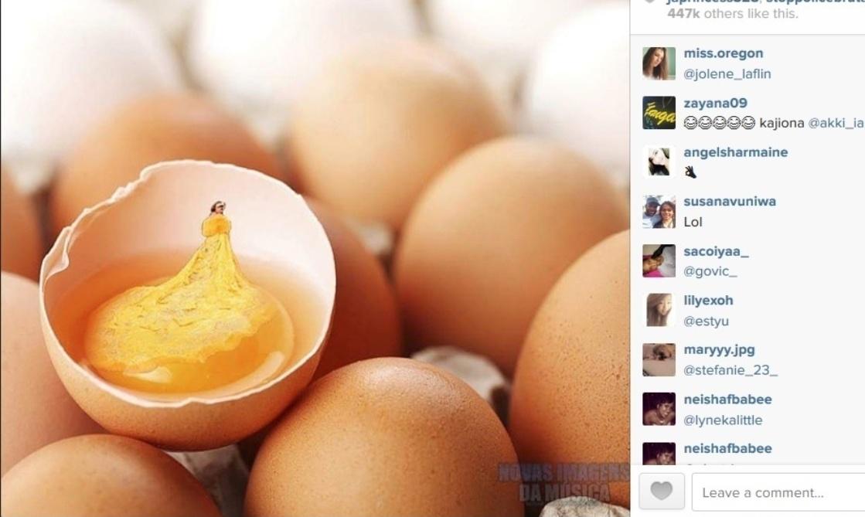 5.mar.2015 - Rihanna posta meme se deu vestido no MET Gala