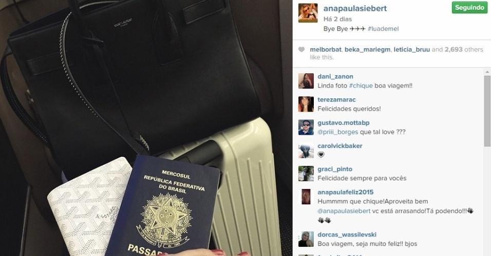 05.mai.2015 - Logo na segunda-feira após o casamento, Ana Paula fez questão de mostrar aos seus seguidores no Instagram que estava partindo com o marido.
