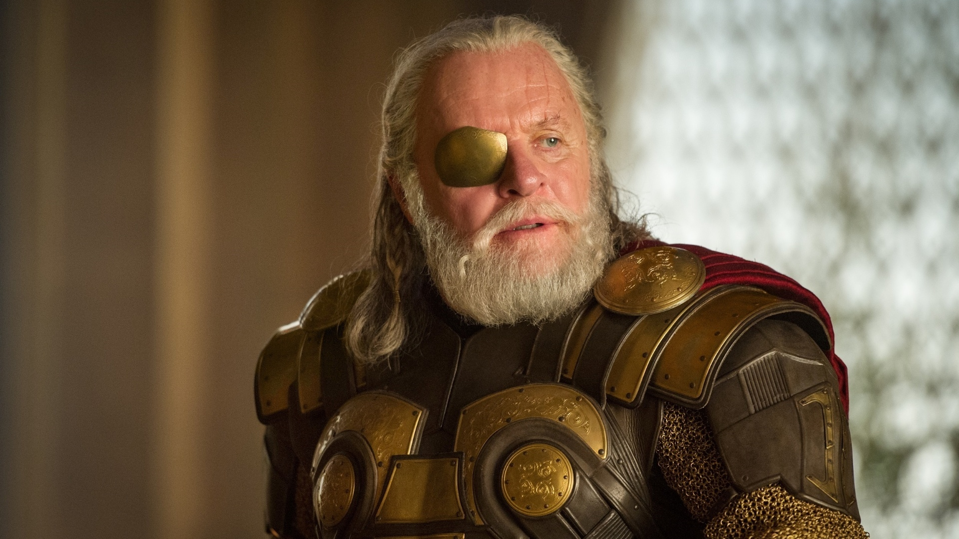 Anthony Hopkins como Odin, em