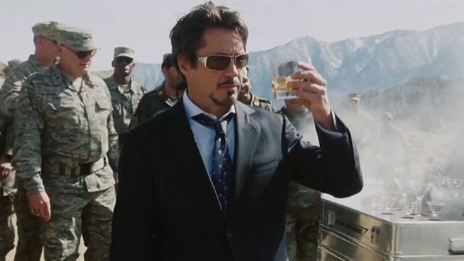Tony Stark (Robert Downey Jr.), em cena de