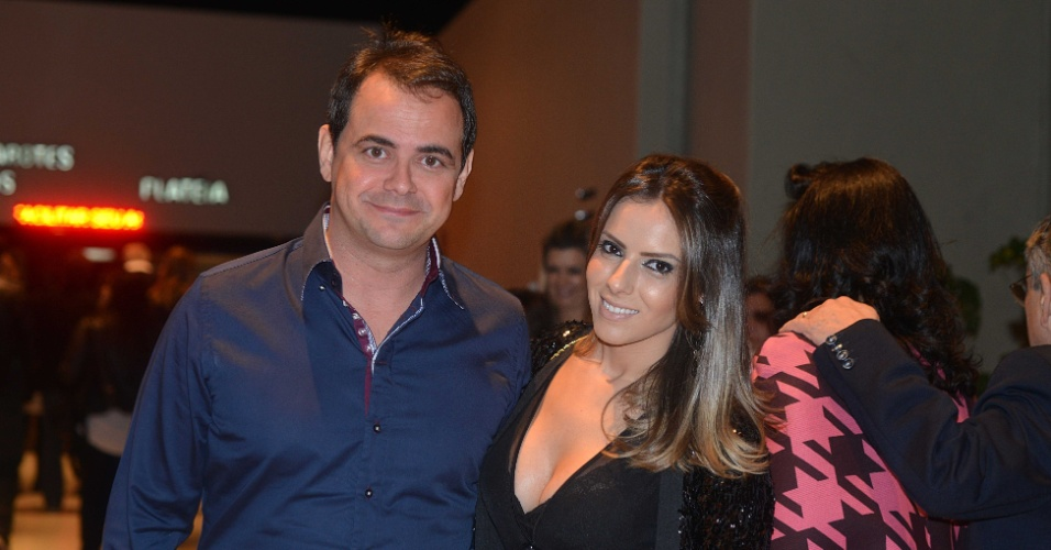 8.mai.2015 - Ao lado de sua esposa, o humorista Carioca compareceu ao show de Gal Costa, na noite desta sexta-feira