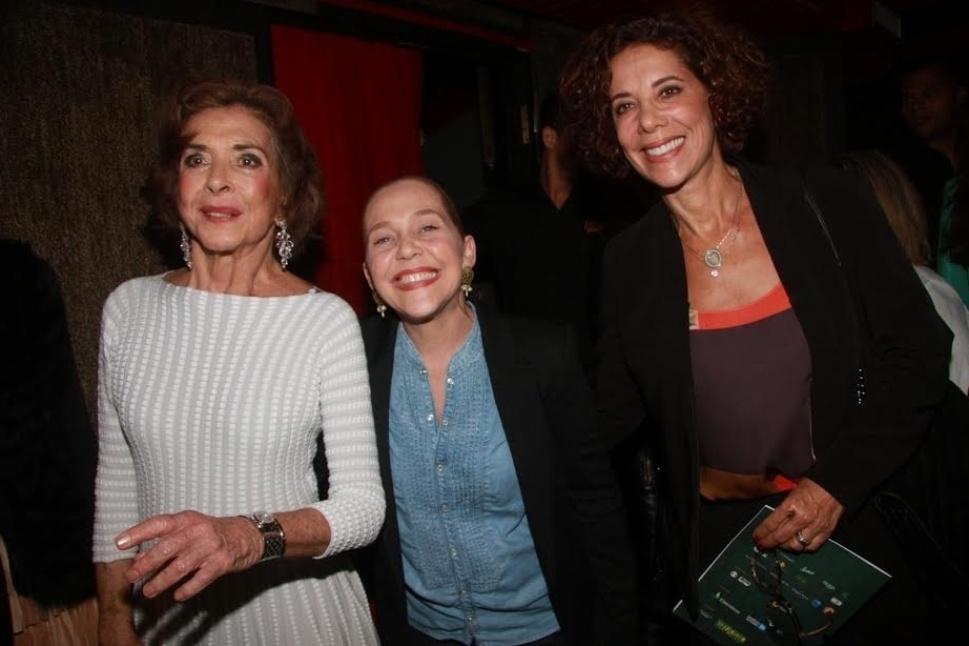 8.mai.2015 - Famosos prestigiam peça de Betty Faria