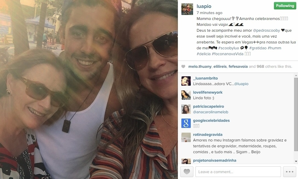 9.mai.2015 - Luana Piovani homenageou a mãe com uma foto ao lado dela e do marido