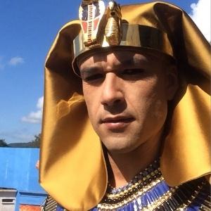Aos 34 anos, ator Sergio Marone estrela a novela bíblica da Record