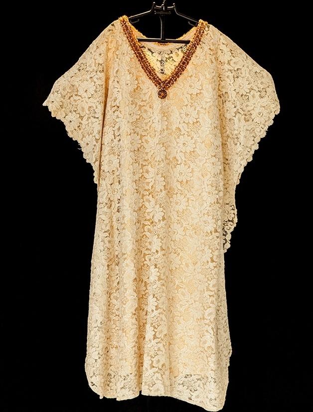 Um dos mais antigos vestidos usados por Ivone Lara em shows
