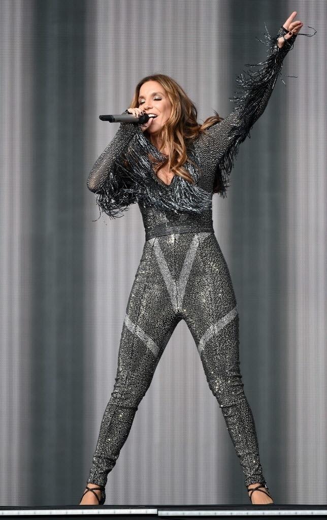 15.mai.2015 - Única convidada brasileira no Rock in Rio Las Vegas, Ivete Sangalo agitou os americanos no terceiro dia do festival, nesta sexta-feira, que acontece pela primeira vez nos Estados Unidos