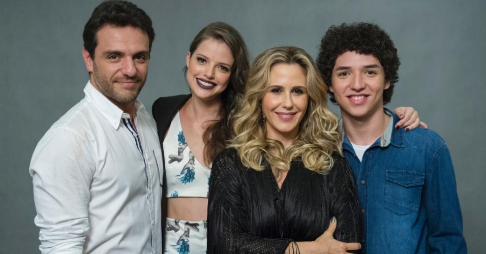 Rodrigo Lombardi e Guilhermina Guinle interpretam os pais de Ágatha Moreira e João Vitor Silva em