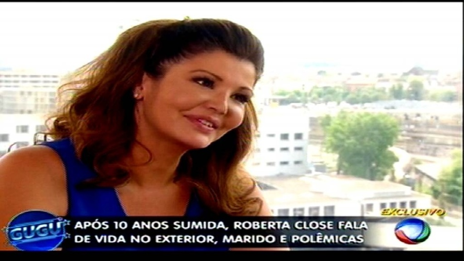 20.mai.2015 - Roberta Close deu entrevista para o apresentador Gugu Liberato na TV Record