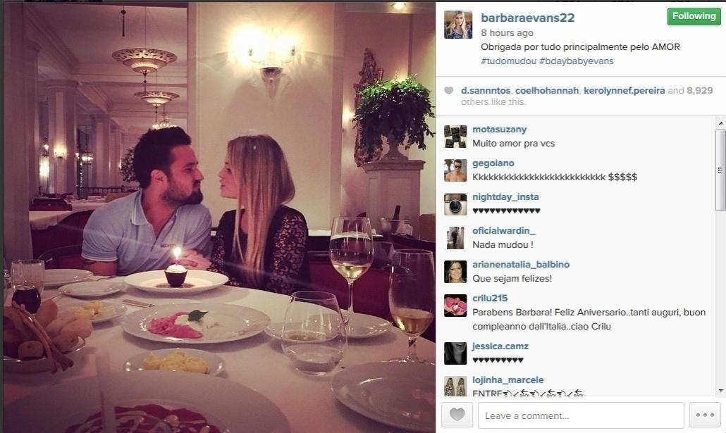 21.mai.2015 - Bárbara Evans comemorou o aniversário de 24 anos com seu novo namorado, Fabrício Assunção. Na madrugada desta sexta-feira (22), a modelo postou uma foto em seu Instagram em que aparece ao dele.