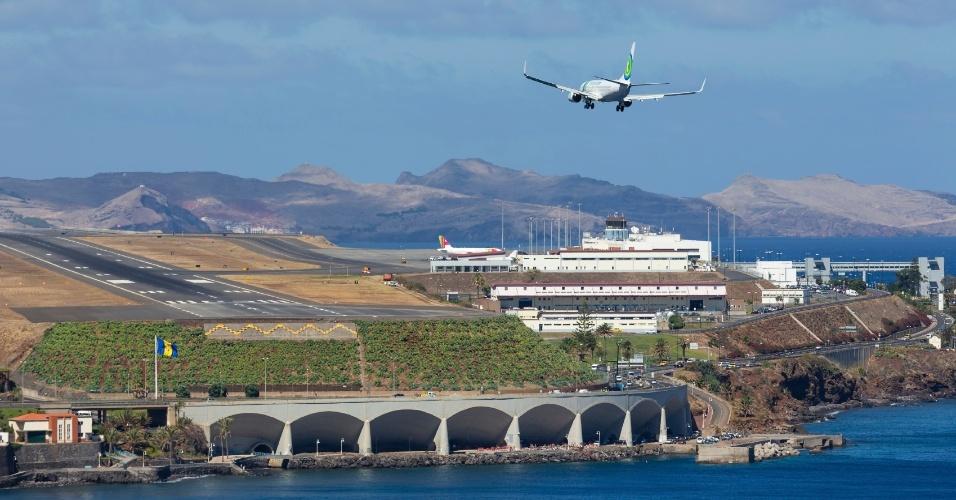 Aeroporto Madeira : Aeroportos assustadores têm pista de pouso em montanha e