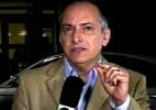 """Repórter do """"JN"""" fecha entrevista dizendo para Huck e Angélica irem de táxi - Reprodução/TV Globo"""