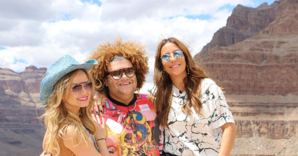 Eliana, Ivete Sangalo e o promoter Gominho posam no Grand Canyon nos EUA