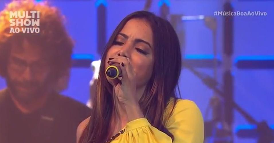 Funkeira Anitta faz cover da música