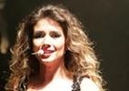 Paula Fernandes usa vestido transparente em show na Festa do Peão de Extrema - Denilson Silva/AgNews