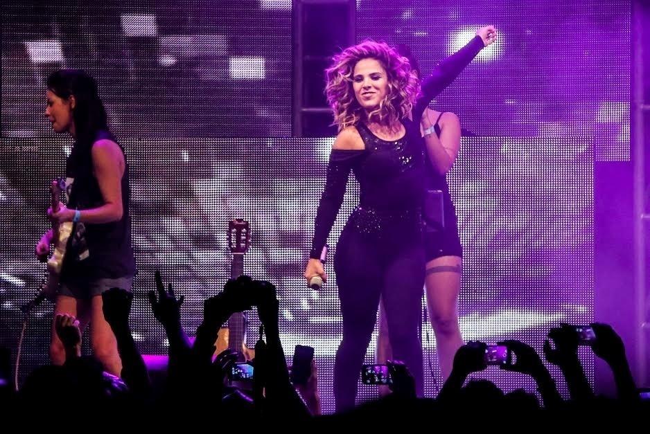6.jun.2015 - Wanessa estreia seu novo visual em show para o público gay na casa noturna The Week, em São Paulo
