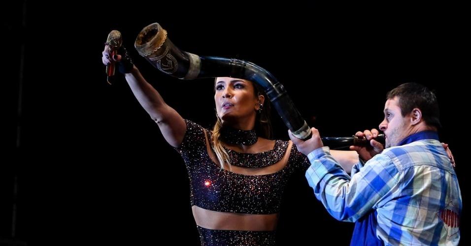 14.jun.2015 - Claudia Leitte encerra Festa do Peão de Americana, no interior de São Paulo. Neste ano, o evento recebeu atrações de estilos diversos, até de funk (Anitta, Naldo e Mc Guime) e eletrônico (Yves Larock)