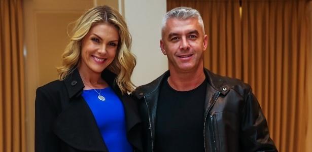 Ana Hickmann ao lado do marido, Alexandre Corrêa