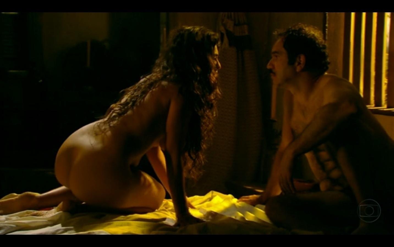 Juliana Paes e Humberto Martins apareceram nus por diversas vezes no remake de