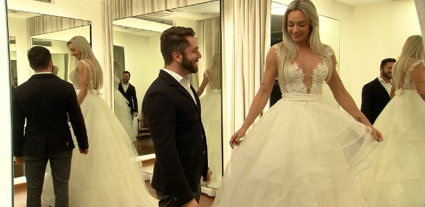 Prestes a se casar, Juju Salimeni estreia reality e prova vestido de noiva