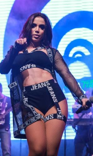 A cantora Anitta promove lançamento de seu novo disco,