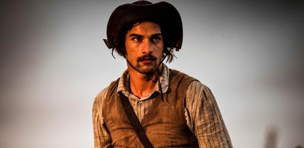 Intérprete de Cícero, Pablo Morais diz que ele é um vilão por causa do amor não correspondido pela filha do patrão
