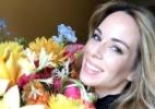 A apresentadora Ana Furtado ganha flores de presente no aniversário de 43 anos - Reprodução/Instagram/@aanafurtado