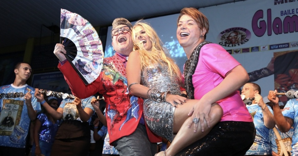 27.jan.2016 - Milton Cunha, David Brazil e Adriane Galisteu - Baile Glam Gay, na quadra da Unidos da Tijuca, na zona portuaria, Rio de Janeiro