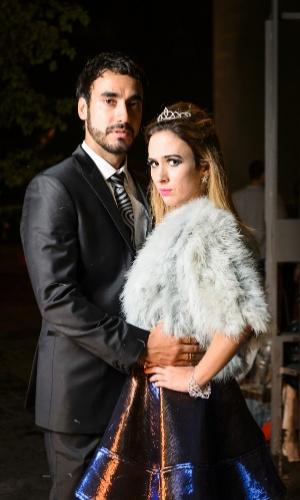 Tatá garante que Gabriel Godoy (Leozinho) é seu par romântico só na novela: